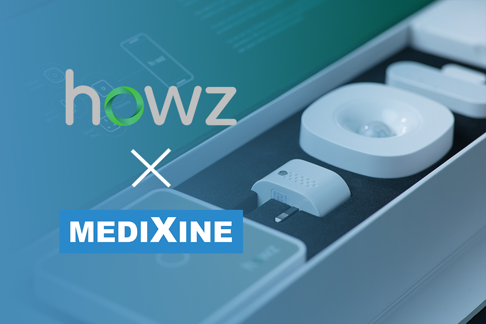 Medixine Suite in use at a NHS service together with Howz monitoring kit